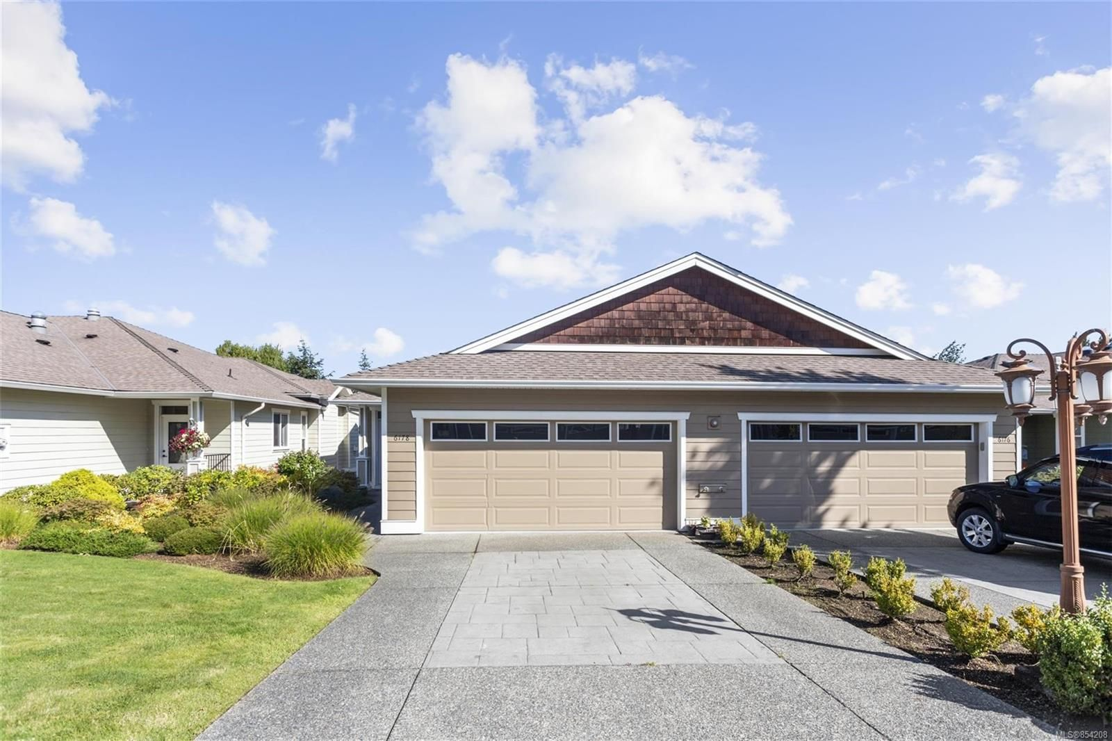 Main Photo: 6178 Arlin Pl in : Na North Nanaimo Half Duplex for sale (Nanaimo)  : MLS®# 854208