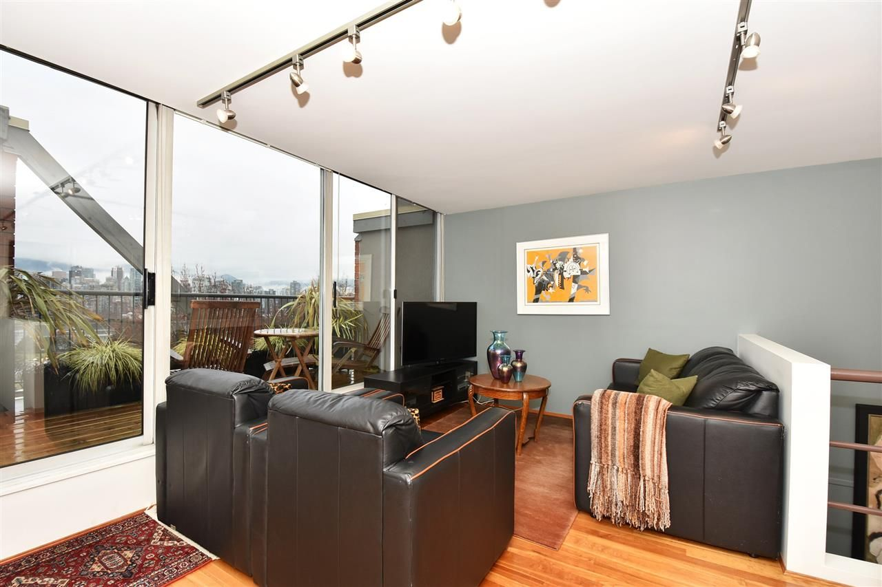 """Photo 12: Photos: 2311 OAK Street in Vancouver: Fairview VW Townhouse for sale in """"OAKVIEW TERRACE"""" (Vancouver West)  : MLS®# R2151089"""