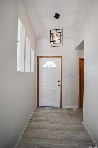 Photo 3: 242 Rever Road in Saskatoon: Silverspring Residential for sale : MLS®# SK852935