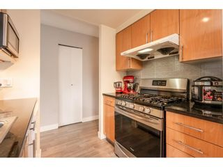 """Photo 5: 607 1077 MARINASIDE Crescent in Vancouver: Yaletown Condo for sale in """"Marinaside Resort"""" (Vancouver West)  : MLS®# R2573754"""