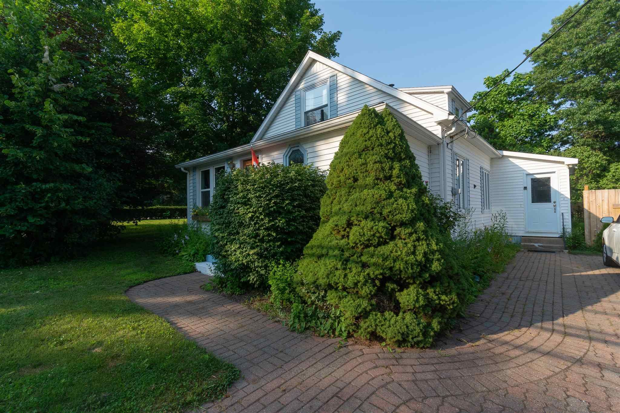 Main Photo: 29 Bridge Street in Middleton: 400-Annapolis County Residential for sale (Annapolis Valley)  : MLS®# 202119497