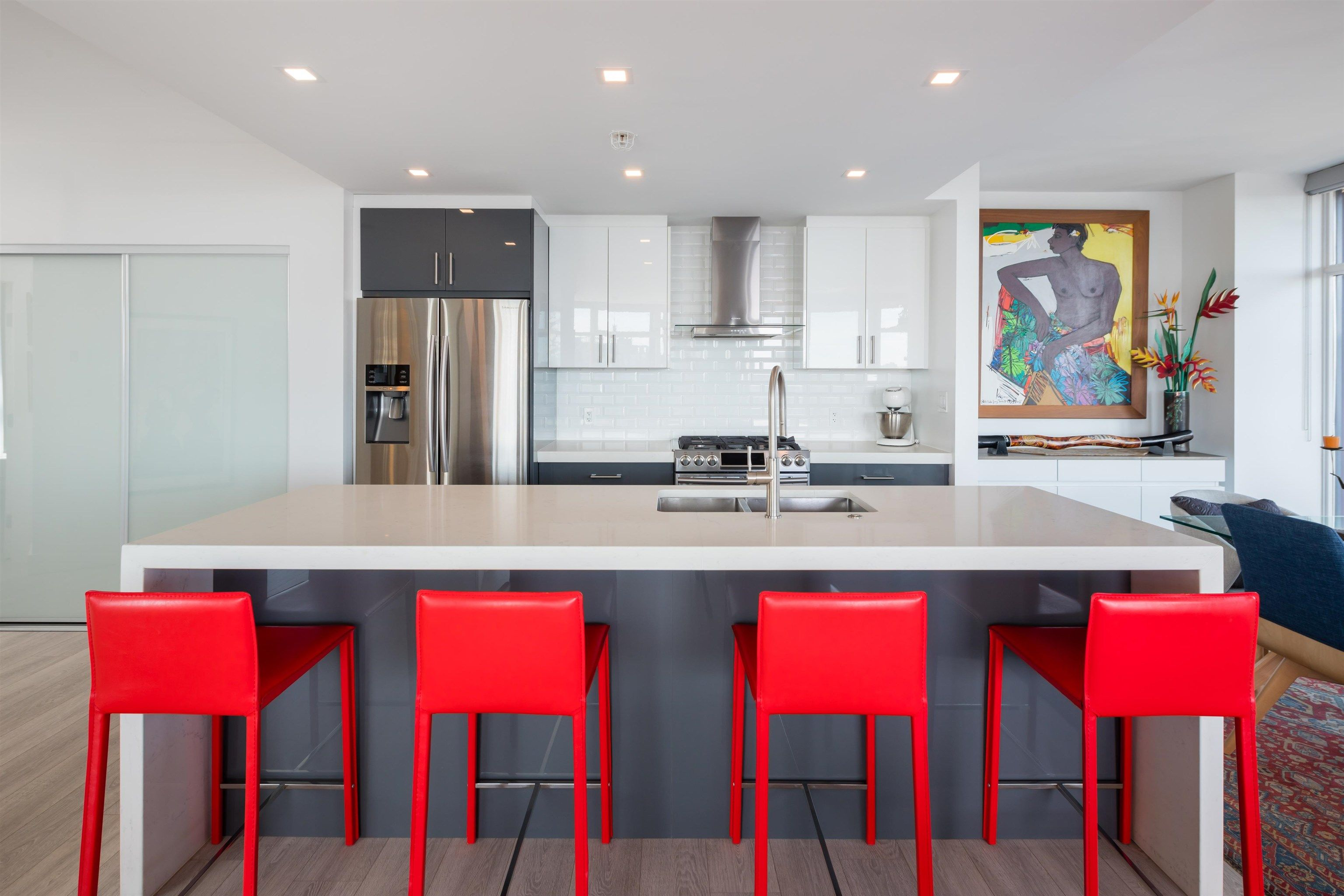"""Main Photo: 3106 128 W CORDOVA Street in Vancouver: Downtown VW Condo for sale in """"WOODWARDS W43"""" (Vancouver West)  : MLS®# R2616664"""