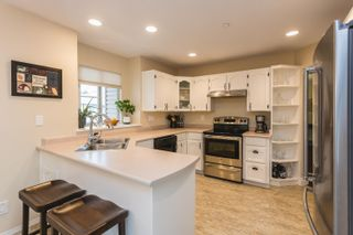 """Photo 8: 42 19060 FORD Road in Pitt Meadows: Central Meadows Townhouse for sale in """"REGENCY COURT"""" : MLS®# R2613518"""