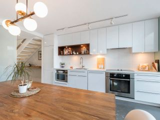 """Photo 15: 274 E 2ND Avenue in Vancouver: Mount Pleasant VE Townhouse for sale in """"JACOBSEN"""" (Vancouver East)  : MLS®# R2572730"""