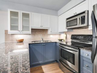 """Photo 13: 304 1969 WESTMINSTER Avenue in Port Coquitlam: Glenwood PQ Condo for sale in """"THE SAPHHIRE"""" : MLS®# R2504819"""
