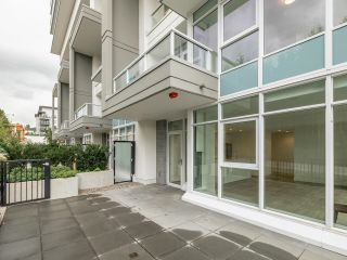 Photo 2: 100 657 WHITING Way in Coquitlam: Coquitlam West Townhouse for sale : MLS®# R2614813