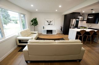 Photo 6: 10720 47 Street in Edmonton: Zone 19 House for sale : MLS®# E4255263