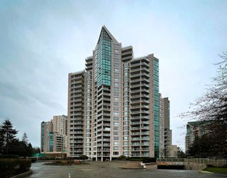 "Photo 1: 1604 1199 EASTWOOD Street in Coquitlam: North Coquitlam Condo for sale in ""Selkirk"" : MLS®# R2534890"