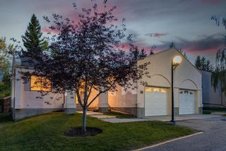 Photo 3: 10 Sandarac Circle NW in Calgary: Sandstone Valley Row/Townhouse for sale : MLS®# A1145487
