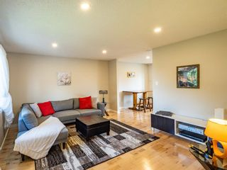 Photo 3: 6044 4 Street NE in Calgary: Thorncliffe Detached for sale : MLS®# A1144171
