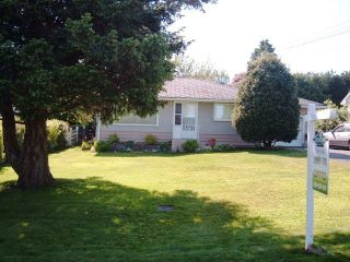 Photo 2: 1127 Knet St in White Rock: Home for sale