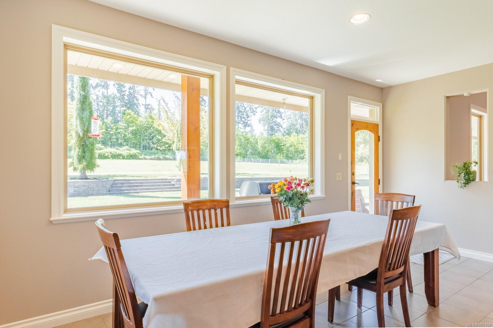 Photo 7: Photos: 2850 Peters Rd in : PQ Qualicum Beach House for sale (Parksville/Qualicum)  : MLS®# 885358