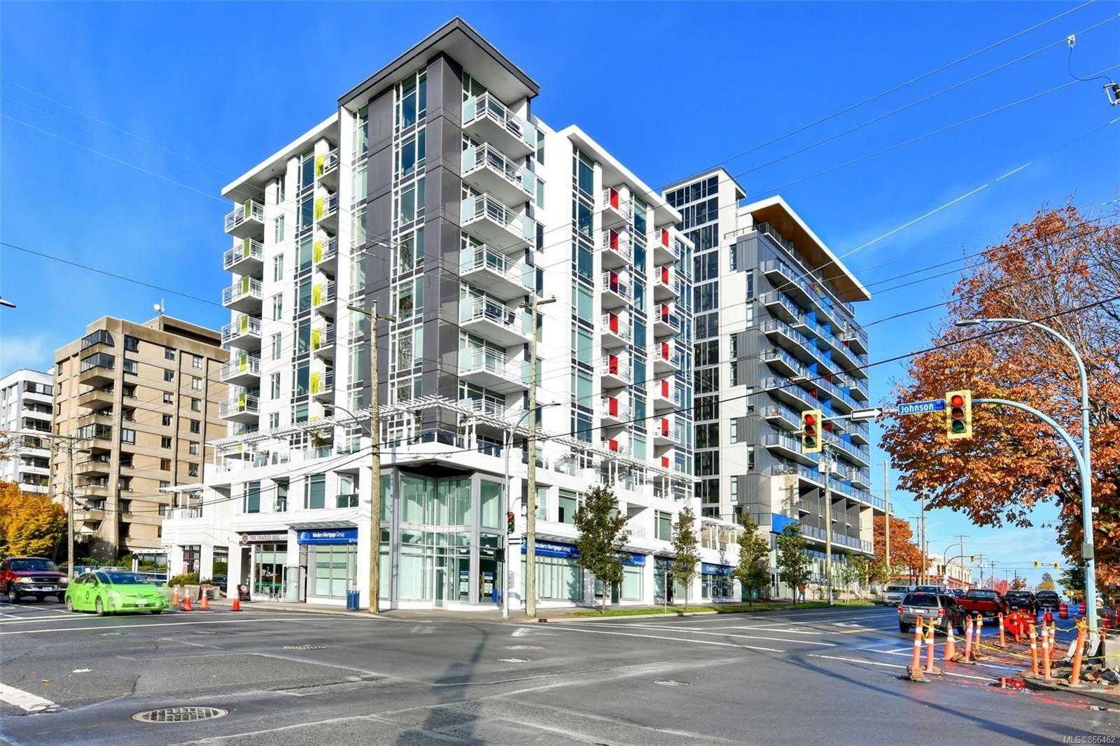 Main Photo: 301 1090 Johnson St in : Vi Downtown Condo for sale (Victoria)  : MLS®# 866462