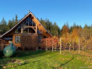 Photo 4: 1885 Central Rd in : Isl Hornby Island House for sale (Islands)  : MLS®# 866113