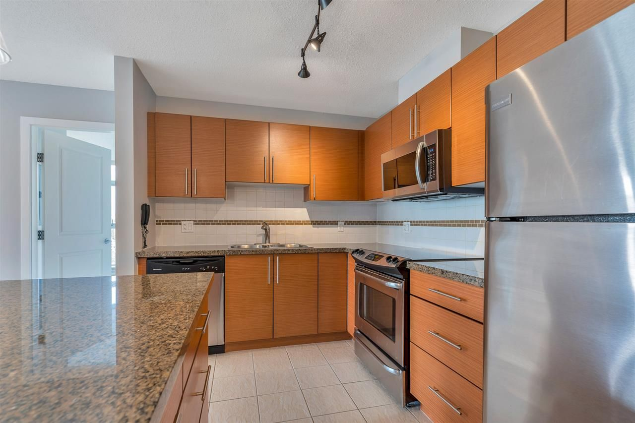 Main Photo: 2206 2225 HOLDOM AVENUE in Burnaby: Central BN Condo for sale (Burnaby North)  : MLS®# R2494108