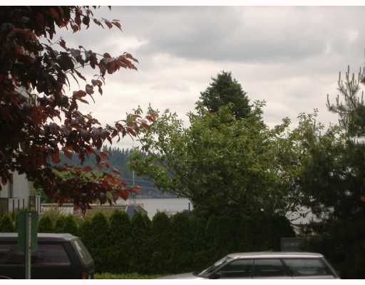 """Photo 10: Photos: 101 1341 CLYDE Avenue in West Vancouver: Ambleside Condo for sale in """"CLYDE GARDENS"""" : MLS®# V759733"""