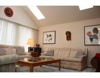 Photo 3: 3058 West 12th Avenue in Vancouver: Kitsilano VW Multifamily for sale ()  : MLS®# V921038