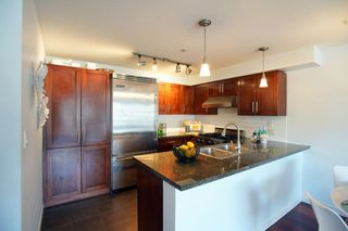 """Photo 4: 690 W 6TH Avenue in Vancouver: Fairview VW Townhouse for sale in """"Fairview"""" (Vancouver West)  : MLS®# R2552452"""
