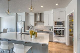 Photo 3: 32 West Grove Place SW in Calgary: West Springs Detached for sale : MLS®# A1113463