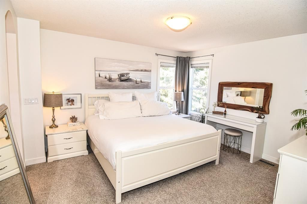 Photo 9: Photos: 66 Bridlerange Circle SW in Calgary: Bridlewood Detached for sale : MLS®# A1099758
