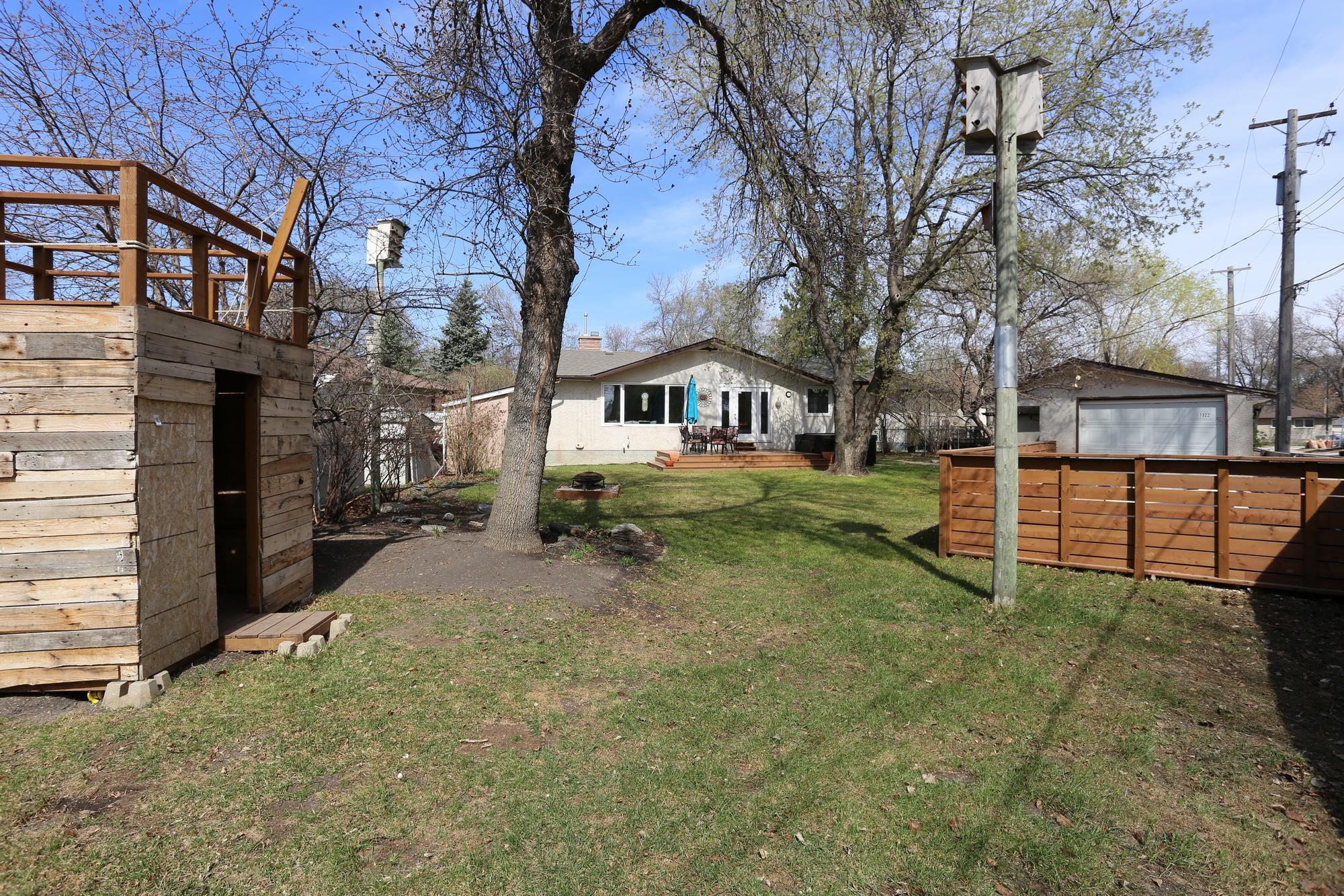 Photo 31: Photos: 1322 Valour Road in Winnipeg: Sargent Park Single Family Detached for sale (5C)  : MLS®# 1811835