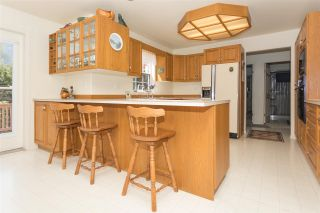 """Photo 6: 41383 DRYDEN Road in Squamish: Brackendale House for sale in """"Eagle Run"""" : MLS®# R2163949"""