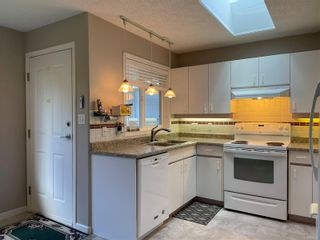 Photo 12: 2302 Amherst Ave in : Si Sidney North-East Half Duplex for sale (Sidney)  : MLS®# 878495
