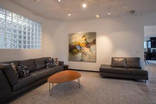 Photo 3: 51 Dumbarton Boulevard in Winnipeg: Tuxedo Residential for sale (1E)  : MLS®# 202111776