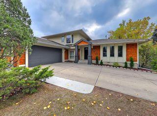 Photo 1: 13923 PARKLAND Boulevard SE in Calgary: Parkland Detached for sale : MLS®# C4237487