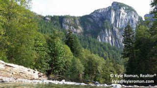Photo 4: 40290 GARIBALDI WY in Squamish: Garibaldi Estates House for sale : MLS®# V1090939