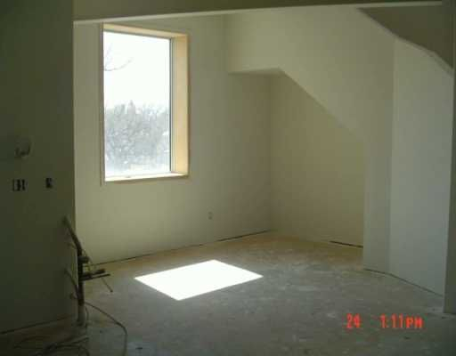 Photo 3: Photos: 309 520 Portage Avenue in WINNIPEG: Central Winnipeg Condominium for sale : MLS®# 2703044