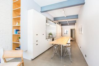 """Photo 5: 303 53 W HASTINGS Street in Vancouver: Downtown VW Condo for sale in """"Paris Block"""" (Vancouver West)  : MLS®# R2600726"""