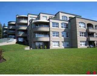 """Photo 1: 405 1725 128TH Street in White_Rock: Crescent Bch Ocean Pk. Condo for sale in """"Ocean Park Gardens"""" (South Surrey White Rock)  : MLS®# F2803525"""