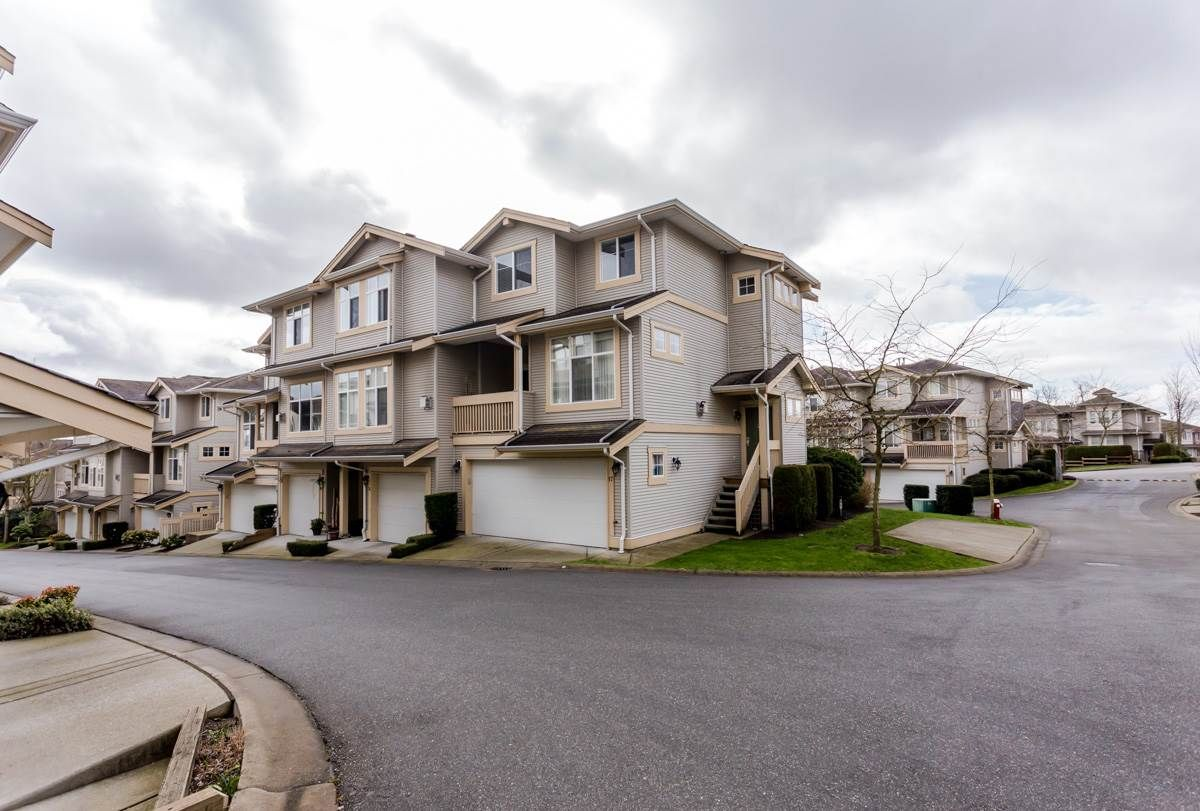 """Main Photo: 17 14959 58 Avenue in Surrey: Sullivan Station Townhouse for sale in """"Skylands"""" : MLS®# R2046904"""