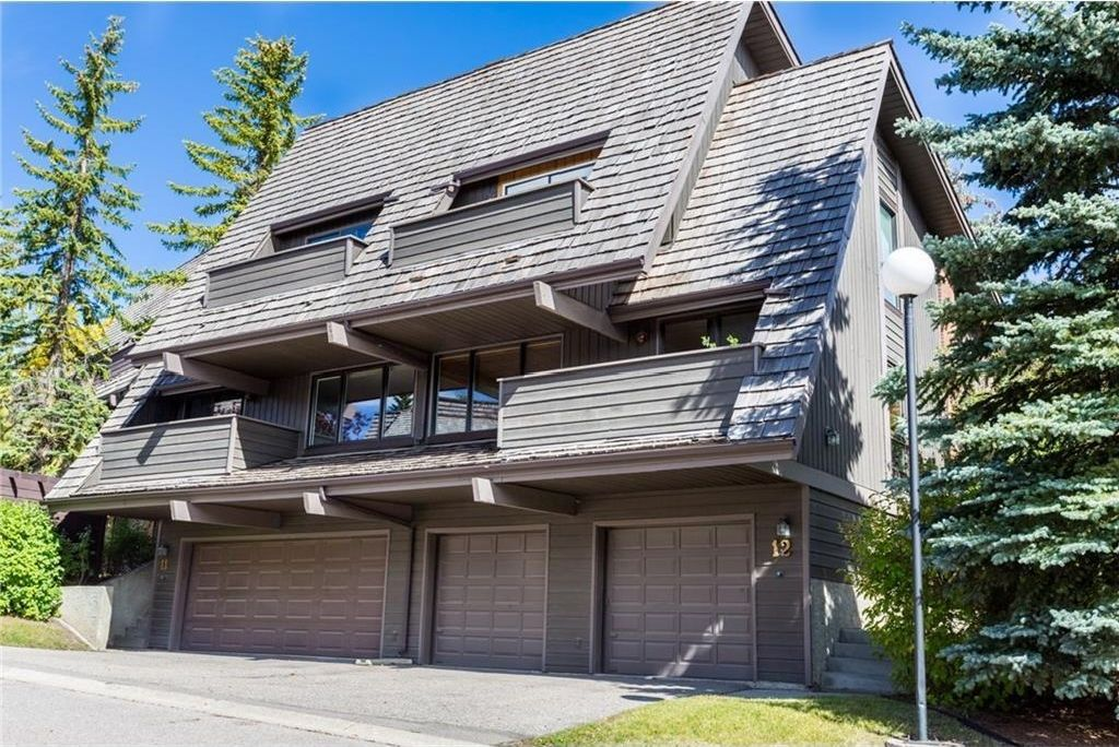 Main Photo: #12 700 RANCH ESTATES PL NW in Calgary: Ranchlands House for sale : MLS®# C4136393