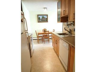 "Photo 3: 106 131 W 4TH Street in North Vancouver: Lower Lonsdale Condo for sale in ""NOTTINGHAM PLACE"" : MLS®# V1069203"