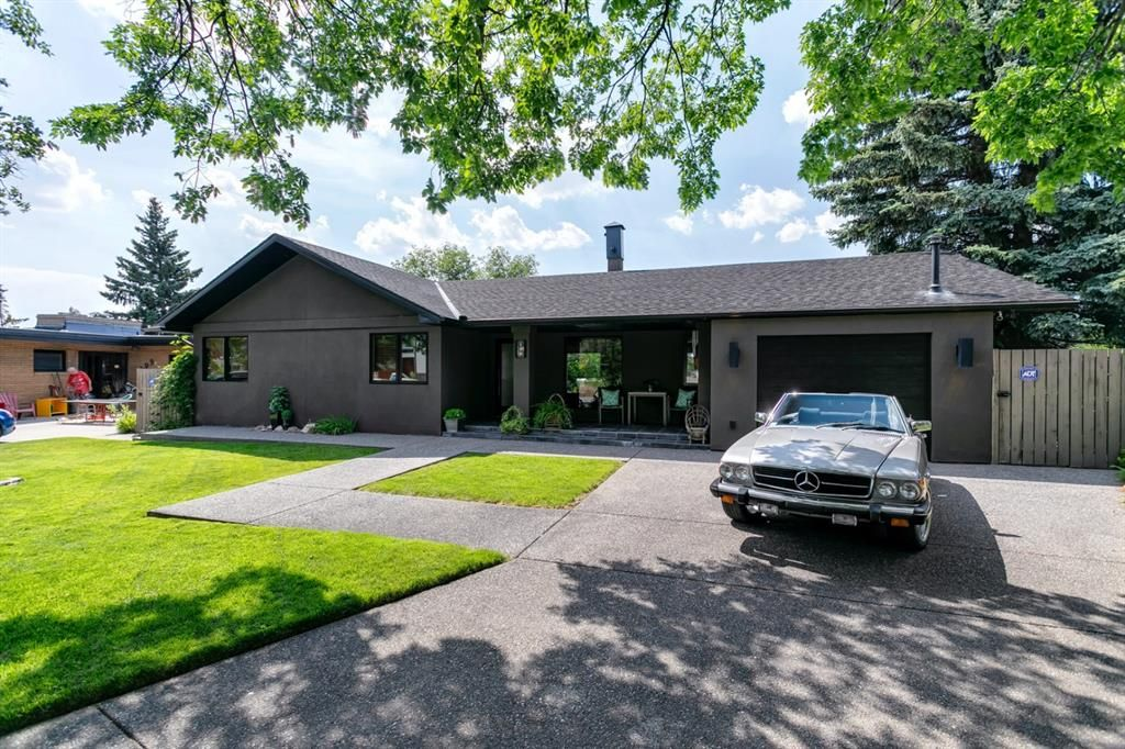 Main Photo: 199 Cardiff Drive NW in Calgary: Cambrian Heights Detached for sale : MLS®# A1127650