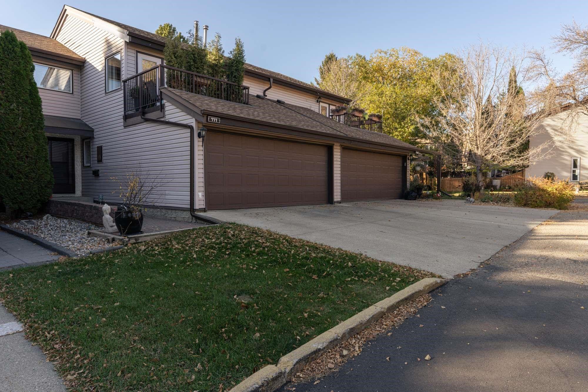 Main Photo: 111 GRANDIN Woods Estates: St. Albert Townhouse for sale : MLS®# E4266158