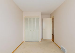 Photo 18: 3411 Doverthorn Road SE in Calgary: Dover Semi Detached for sale : MLS®# A1126939
