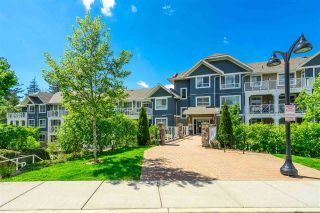 """Photo 2: 410 16380 64 Avenue in Surrey: Cloverdale BC Condo for sale in """"The Ridge at Bose Farms"""" (Cloverdale)  : MLS®# R2573583"""