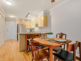 Photo 5: 208 3939 HASTINGS STREET in Burnaby: Vancouver Heights Condo for sale (Burnaby North)  : MLS®# R2078588