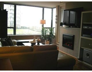 """Photo 3: 501 4182 DAWSON Street in Burnaby: Brentwood Park Condo for sale in """"TANDEM 3"""" (Burnaby North)  : MLS®# V757253"""