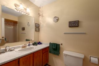"""Photo 19: 1 39752 GOVERNMENT Road in Squamish: Northyards Townhouse for sale in """"Mountain View Manor"""" : MLS®# R2509017"""