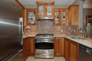 """Photo 11: 210 3088 W 41ST Avenue in Vancouver: Kerrisdale Condo for sale in """"LANESBOROUGH"""" (Vancouver West)  : MLS®# V1048827"""