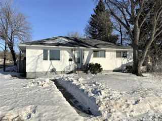 Photo 1: 1638 I Avenue North in Saskatoon: Mayfair Residential for sale : MLS®# SK841937