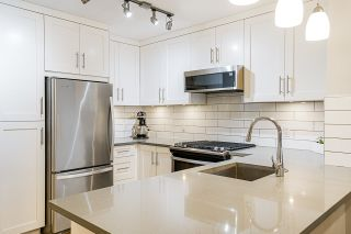 "Photo 2: 212 2181 W 12TH Avenue in Vancouver: Kitsilano Condo for sale in ""The Carlings"" (Vancouver West)  : MLS®# R2561909"