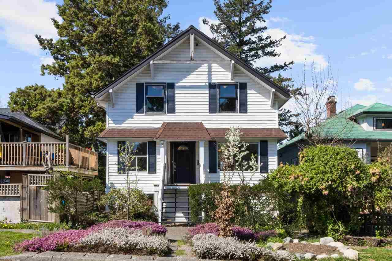 Main Photo: 3869 GLENGYLE Street in Vancouver: Victoria VE House for sale (Vancouver East)  : MLS®# R2590020