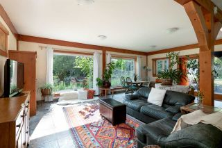 Photo 1: 330 FOREST RIDGE Road: Bowen Island House for sale : MLS®# R2576593