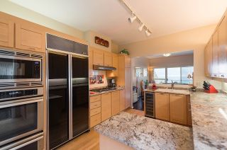 """Photo 8: 2375 FOLKESTONE Way in West Vancouver: Panorama Village Townhouse for sale in """"Westpointe"""" : MLS®# R2147678"""