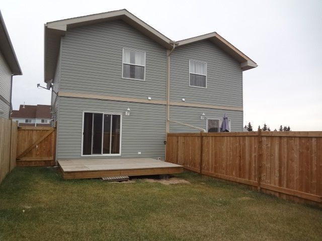 Photo 13: Photos: 11407 89A Street in Fort St. John: Fort St. John - City NE 1/2 Duplex for sale (Fort St. John (Zone 60))  : MLS®# R2143713